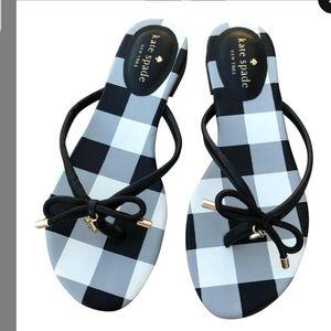Kate Spade thong sandals 6M ❤